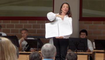 2007. Spiegazione dei brani al pubblico.
