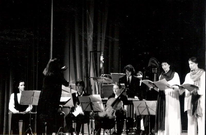 """1995. """"Cantico dei Cantici"""" di I. Danieli, Milano. Momenti dell'esecuzione."""